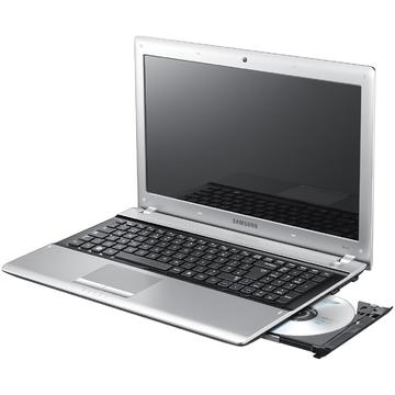 Laptop second hand Samsung RV520 i3 2330M 2.20GHz 4GB DDR3 320GB HDD DVD-RW Webcam 15.6 inch